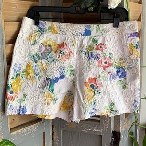 Elevenses Floral print and embossed shorts 🌸